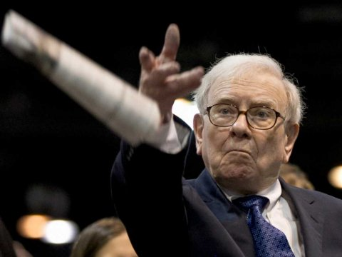 warren-buffett-newspaper-toss